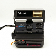 polaroid-camera-close-up-636---instant-camara---moi-90-1789